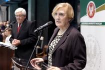 Zdjęcie przedstawiające przemówienia gości na otwarciu Centrum Sportowo-Rehabilitacyjnego WUM