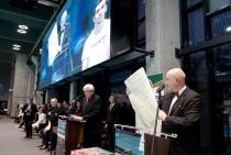 Zdjęcie przedstawiające przemówienie JM Rektora na otwarciu Centrum Sportowo-Rehabilitacyjnego WUM